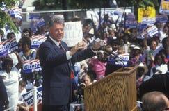 Bill Clinton parle au centre des eaux de Maxine Image stock