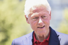 Bill Clinton-Regardant vers le bas Photos libres de droits