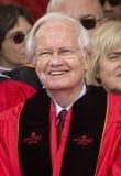 Bill Moyers an der 250. Jahrestags-Abschlussfeier Rutgers Lizenzfreie Stockfotos