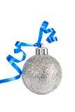 Bille argentée de Noël avec la bande bleue Images libres de droits