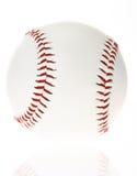Bille de base-ball d'isolement sur le fond blanc Photos stock