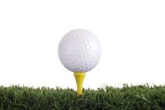 Bille de golf avec le té jaune Image stock