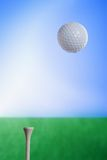 Bille de golf en air Photographie stock