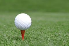 Bille de golf sur le té Photo libre de droits