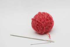 Bille de laines avec le pointeau photographie stock libre de droits