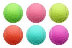 Bille de tennis d'isolement sur le fond blanc Photo libre de droits