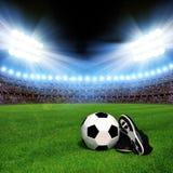 Bille et chaussures de football photo libre de droits