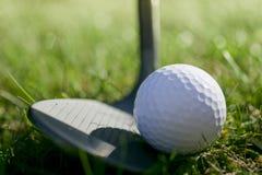 Bille et club de golf Images libres de droits