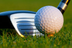 Bille et gestionnaire de golf sur le terrain de golf photo libre de droits