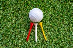 Bille et té de golf Image stock