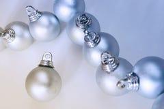 Billes argentées de Noël photo stock