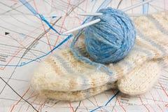 Billes avec l'amorçage pour le tricotage Photo libre de droits