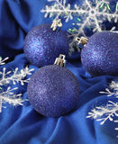Billes bleues de Noël Photo stock