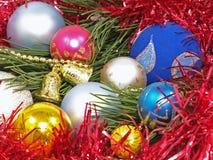 Billes colorées de Noël. Images stock
