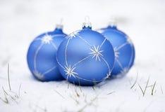 Billes de bleu de Noël Image libre de droits