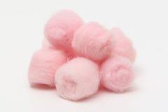 Billes de coton hygiéniques roses Images libres de droits