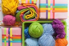 Billes de filé coloré Vue de ci-avant Toutes les couleurs du Ra Images libres de droits