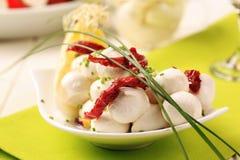 Billes de fromage de mozzarella images libres de droits