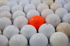 Billes de golf modifiées photographie stock
