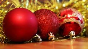 Billes de Noël Carte de Joyeux Noël Thème de Noël d'hiver Photos stock