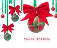 Billes de Noël sur le fond blanc image libre de droits