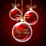 Billes de Noël sur le fond rouge Images libres de droits