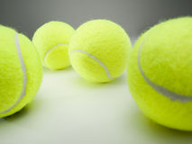Billes de tennis jaunes Photographie stock