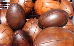 Billes du football et de rugby Photos stock