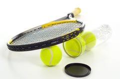 Billes et raquette de tennis Images stock
