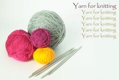 Billes lumineuses de filé pour le tricotage Photographie stock