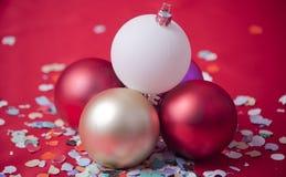 Billes, ornements d'arbre de Noël Image stock