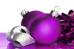 Billes pourprées de Noël Photographie stock