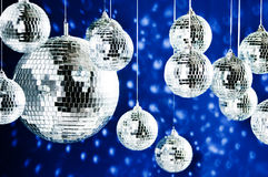 Billes reflétées de disco avec les endroits lumineux photo libre de droits