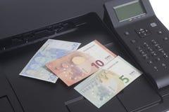 Billet de banque d'euro d'impression d'imprimante Image stock