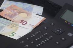 Billet de banque d'euro d'impression d'imprimante Photographie stock