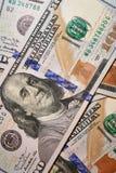 Billet de banque en valeur cent dollars d'en gros plan photographie stock