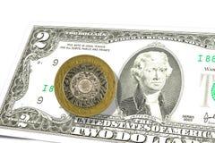 billet de banque de 2 nous-dollars avec 2 livre sterling ci-dessus photo stock