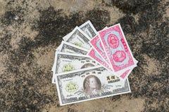 Billete de banco de infierno como ofreciendo al difunto fotografía de archivo libre de regalías