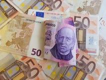 billete de banco mexicano y fondo de 100 Pesos con los billetes de banco euro Fotografía de archivo libre de regalías