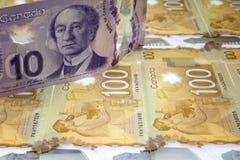 Billete de dólar del canadiense diez Imagenes de archivo