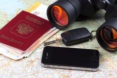 Billetes de avión y pasaporte del viaje Imagenes de archivo