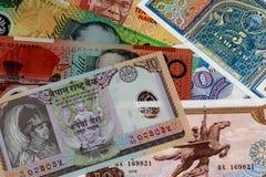 Billetes de banco clasificados cerca encima de la visión Foto de archivo libre de regalías