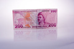 Billetes de banco de la lira de Turksh de 200 en el fondo blanco Fotografía de archivo