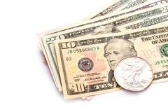Billetes de banco del dólar aislados sobre blanco Imágenes de archivo libres de regalías