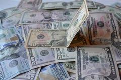 Billetes de banco del dinero del dólar Dinero en circulación americano Antecedentes del dinero Dólar de Estados Unidos Fotografía de archivo libre de regalías