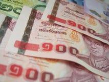 Billetes de banco del fondo del dinero del baht tailandés Imágenes de archivo libres de regalías