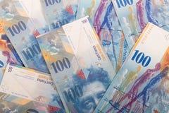 100 billetes de banco del suizo del CHF Imágenes de archivo libres de regalías