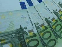 100 billetes de banco euro Foto de archivo