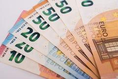Billetes de banco euro en el Libro Blanco Imágenes de archivo libres de regalías
