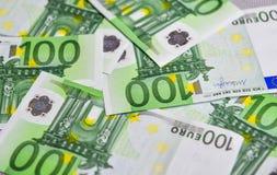 Billetes de banco euro 100 EUR Fotos de archivo